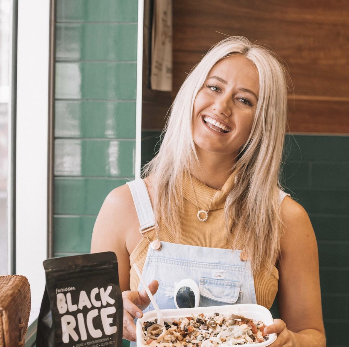 Kara Mackrell - Kara is a Nutritionist passionate about helping women understand their hormones, gut health and customise their meal plans to suit their lifestyles to get the best out of life.WEBSITE | INSTAGRAM
