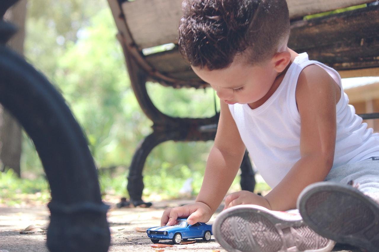car-toy-childhood-child-163768.jpeg