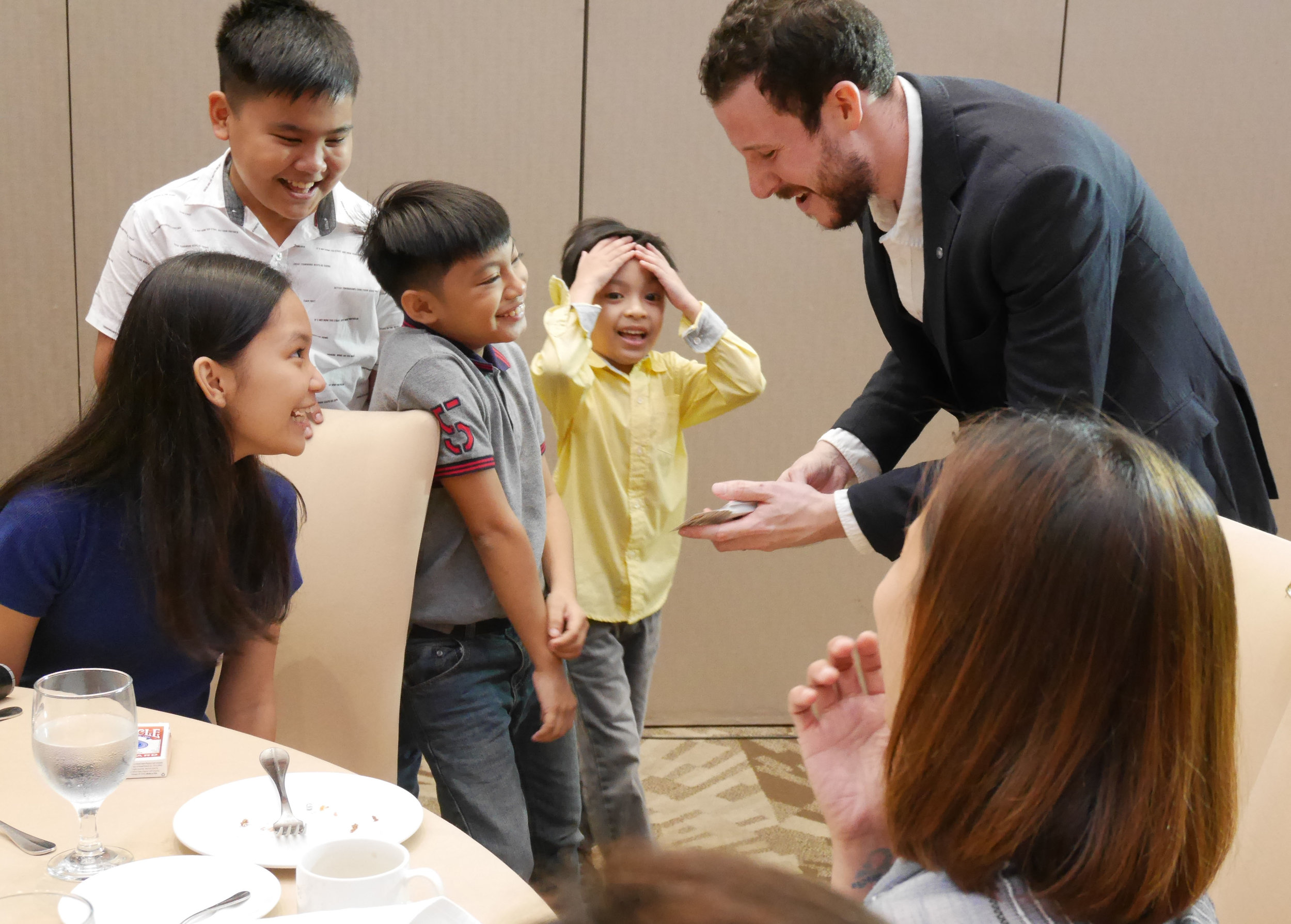 Kid's Magic Manila Magician Philippines Party.jpg