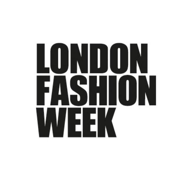 London-Fashion-Week-Jungle-Straws-Vin-And-Omi-Bamboo-Straws.png