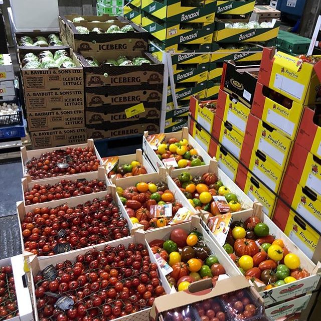 Lots of colour at Spitalfields Fruit and Vegetable market this morning and sone amazing fish at Billingsgate Fish market #latinfood #rosemaryshrager #tunbridgewells #southamericanfood #sevenoaksladiesjoggers #cousleywood #cousleywoodcommunity #wadhurst #mojorunningandfitness #ukrestaurant