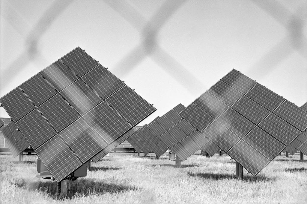 2017-04-18_Solarpanels_Rollei_RPX25_web.jpg
