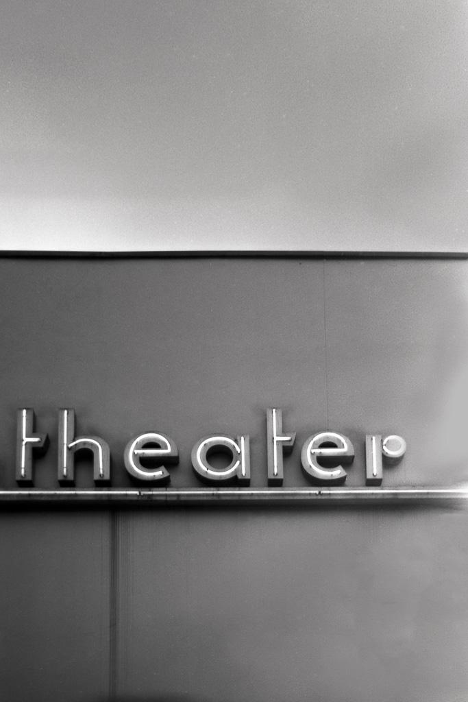2017-07-29_theater_Spotmatic_F_Svema_Foto100_web.jpg