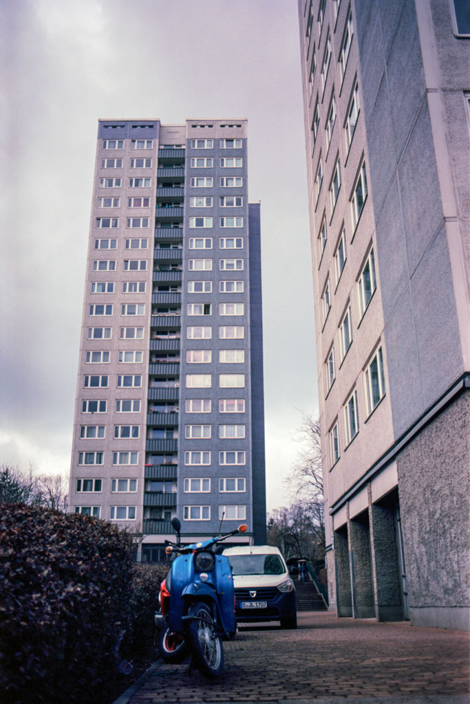 2018-03-13_Vorstadt_Pentax_MEsuper_Kodak_Ektar100_web.jpg