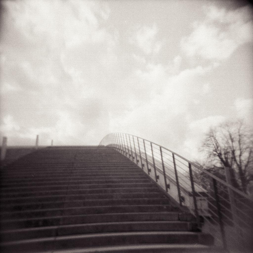 2019-02-21_Stairway_to_heaven_HOLGA_400TX@800_web.jpg