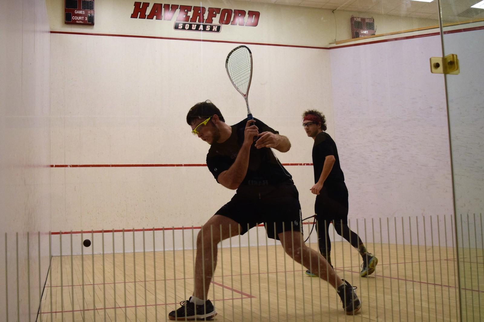 Vinicius Muniz '22 at a squash match