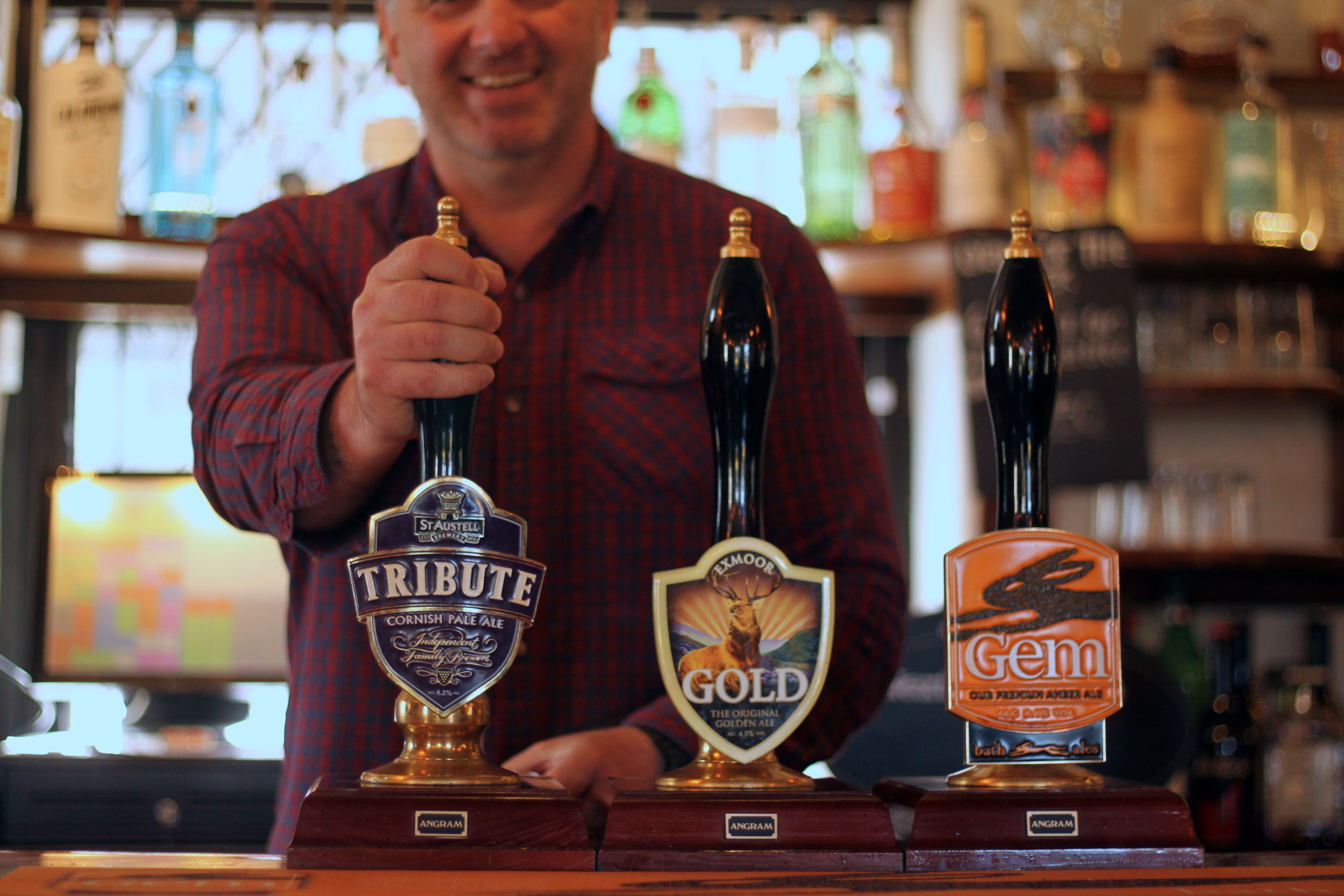 The-Thatched-Inn-Real-Ales.jpg