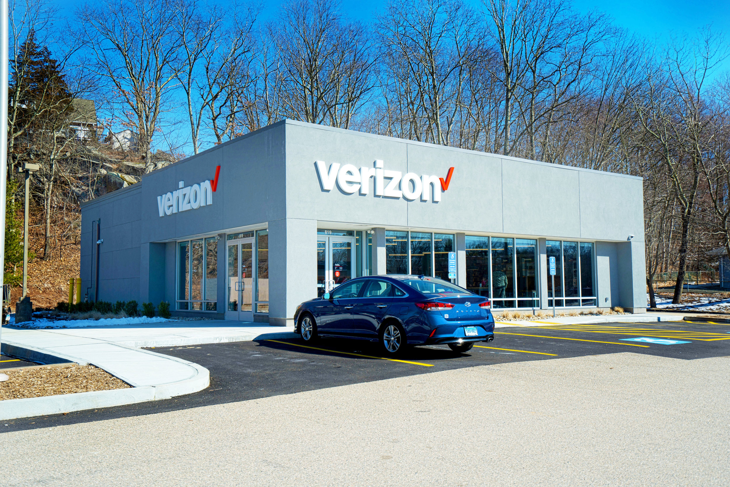 Location:    Waterford, Connecticut  Size:  3,022 SF