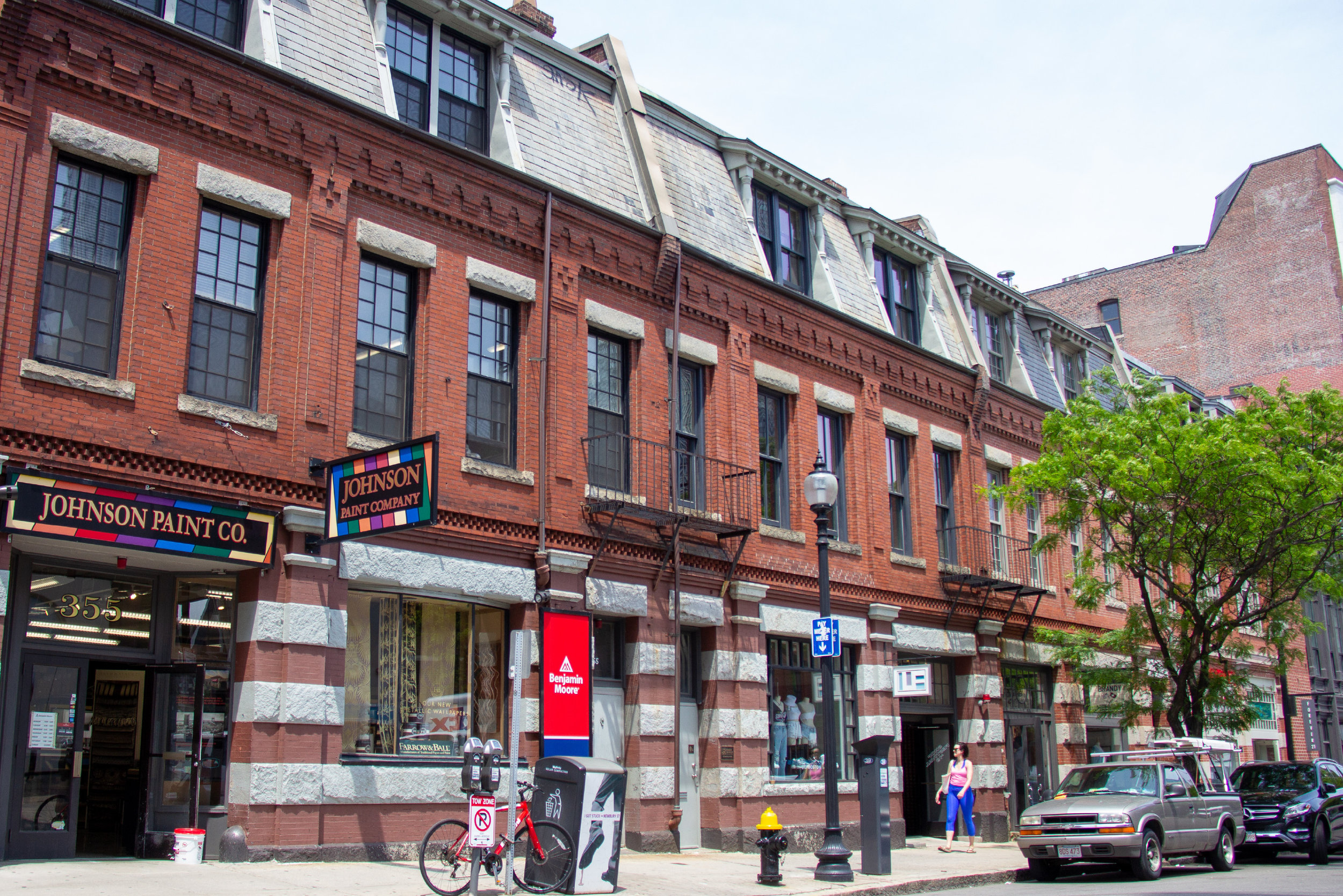 353 Newbury Street | Boston   Massachusetts