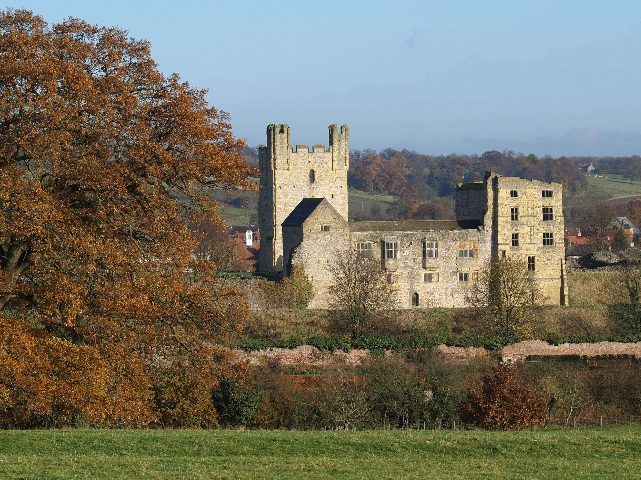 Helmsley-Castle-please-credit-NYMNPA.JPG