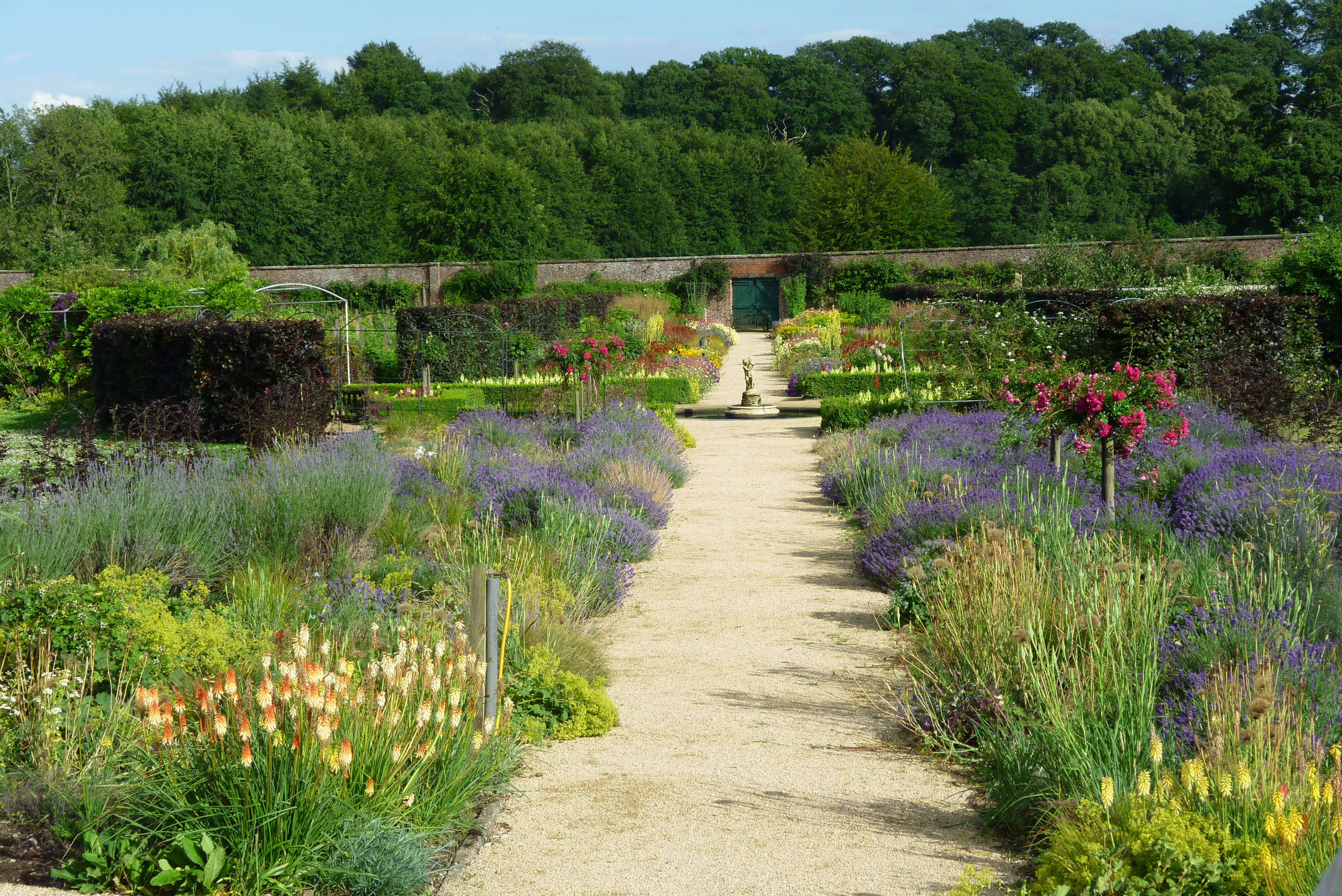 Helmsley-Walled-Garden-please-credit-NYMNPA.jpg