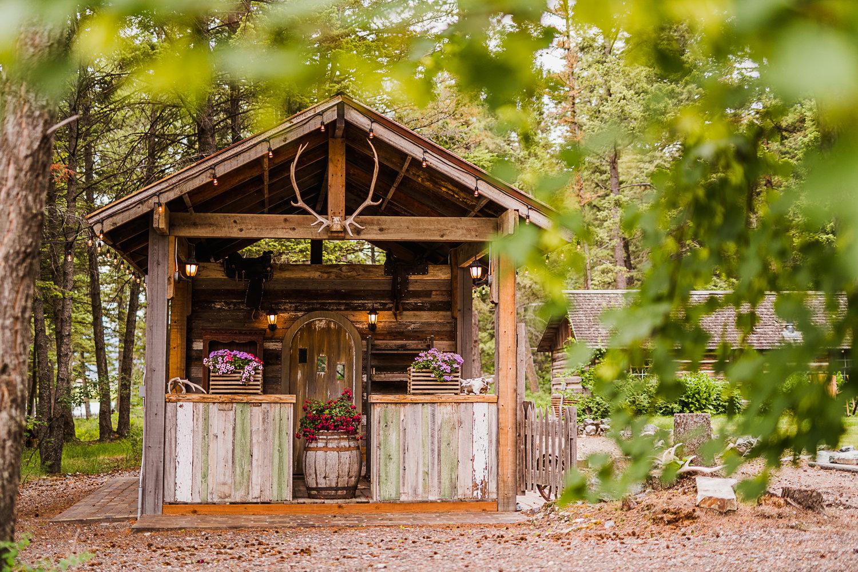 Weatherwood Homestead_Outdoor Wedding Bar.jpg