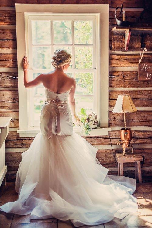 Rustic Bride_Weatherwood Homestead.jpg