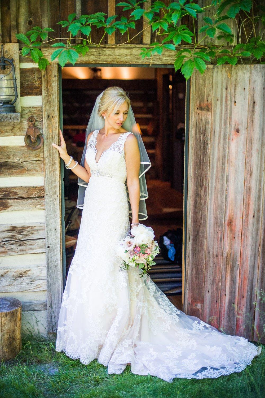 Rustic Bride_Rya_Weatherwood Homestead.jpg