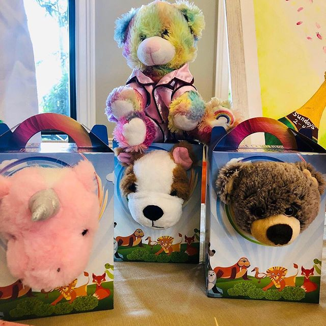 Let's make a bear and take it home and cuddle. Add to parties very fun activity.mom#priceless #balloons #bubbles #miami#broward#Weston#decorations#parkland#diversion #kids#party#birthdays#celebrations #everywhere #b#starbuck#amazing#princess#sing#superheroes#