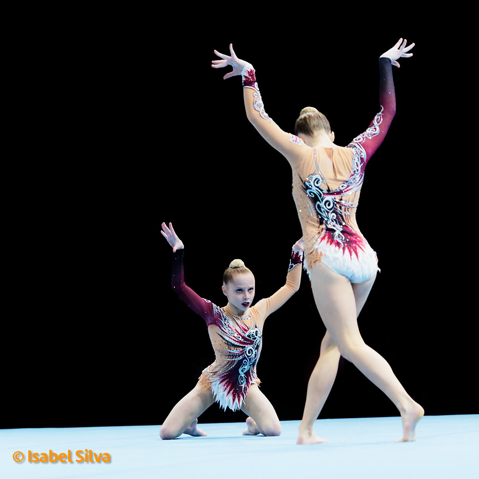 Sasha Carpenter and Poppy Yates, World Age Group Competitions 2018 Finals