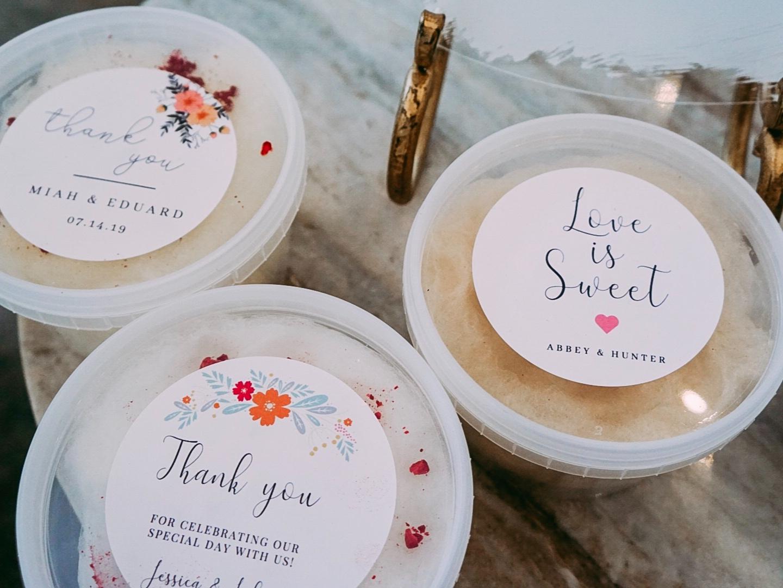 cotton candy wedding favor tubs