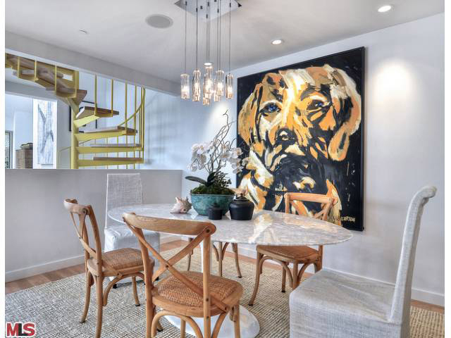 Golden Retriever Dog in client home - 4 ft x 6 ft