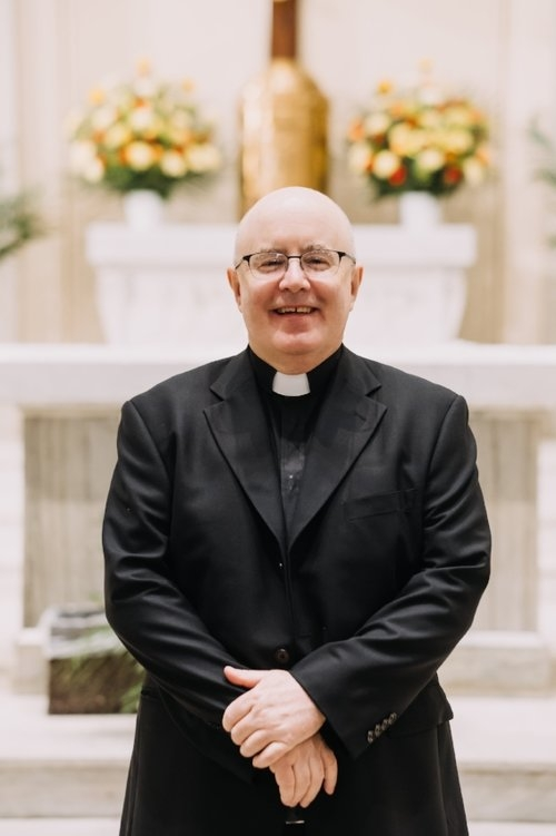st-francis-pastor-father-kelly.jpg