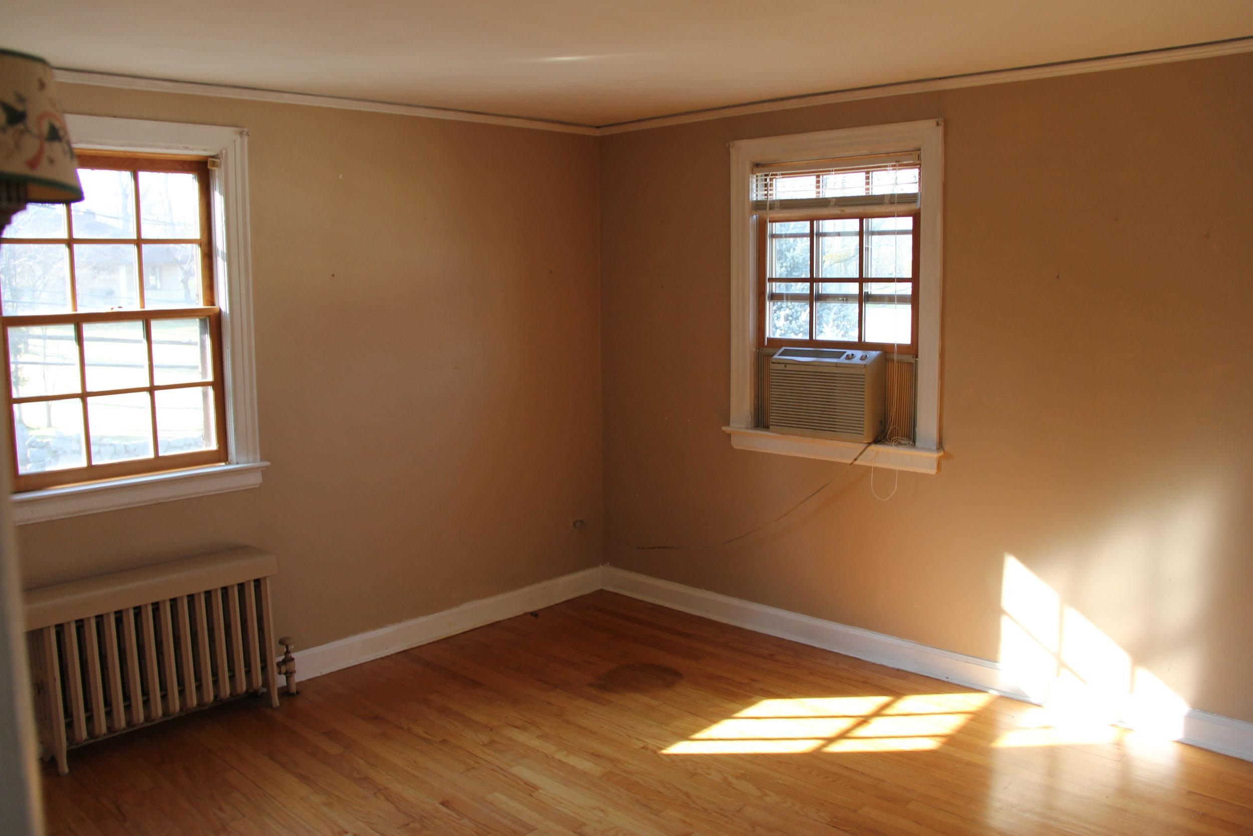 old bedroom 1.JPG