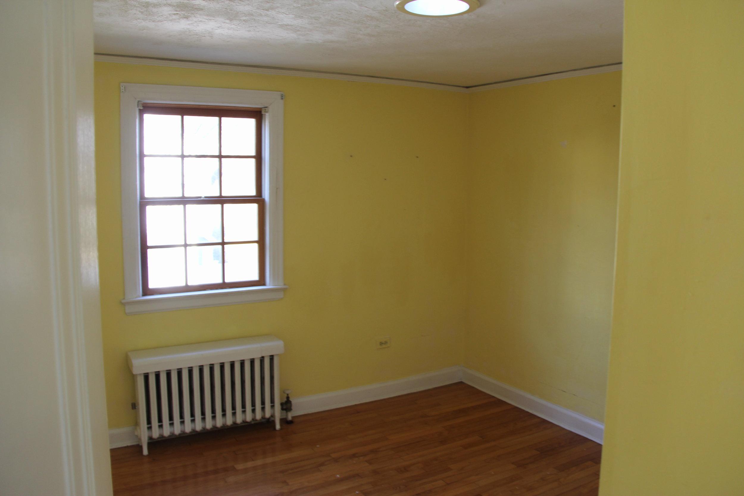 oldbedroom2.JPG