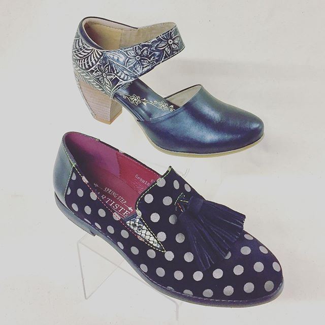 Goody two shoes💕 #newarrivals #shoplocal #shopsmall #specialtystore #brookline #coolidgecorner @springstepshoes