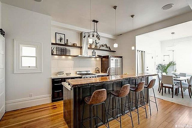 This home-seller custom built this kitchen island bar counter. We loved it, styled the whole house off the inspo his craftsmanship gave us.  #teamworkmakesthedreamwork . . . . . #sfre #sanfrancisco #sf #homestaging #kitchenstyling #kitcheninspo #kitchenanddining #cityliving #interiordecorator #homedecor #interiordecor #homestylist #interiorstylist #haightstreet