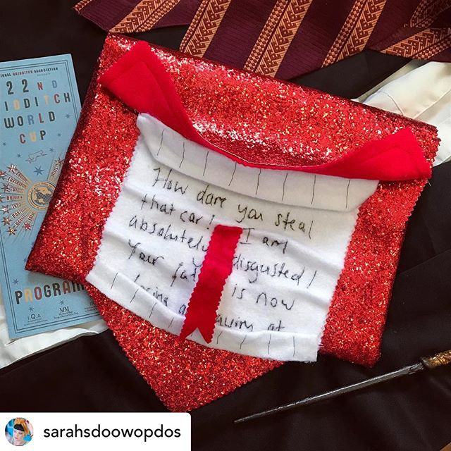 Look what the ever so talented @sarahsdoowopdos made with our classic chunky red! We just love this 💖 Happy world book day folks 📚 🧙‍♀️ #howler #harrypotter #worldbookday #glitzfabrics