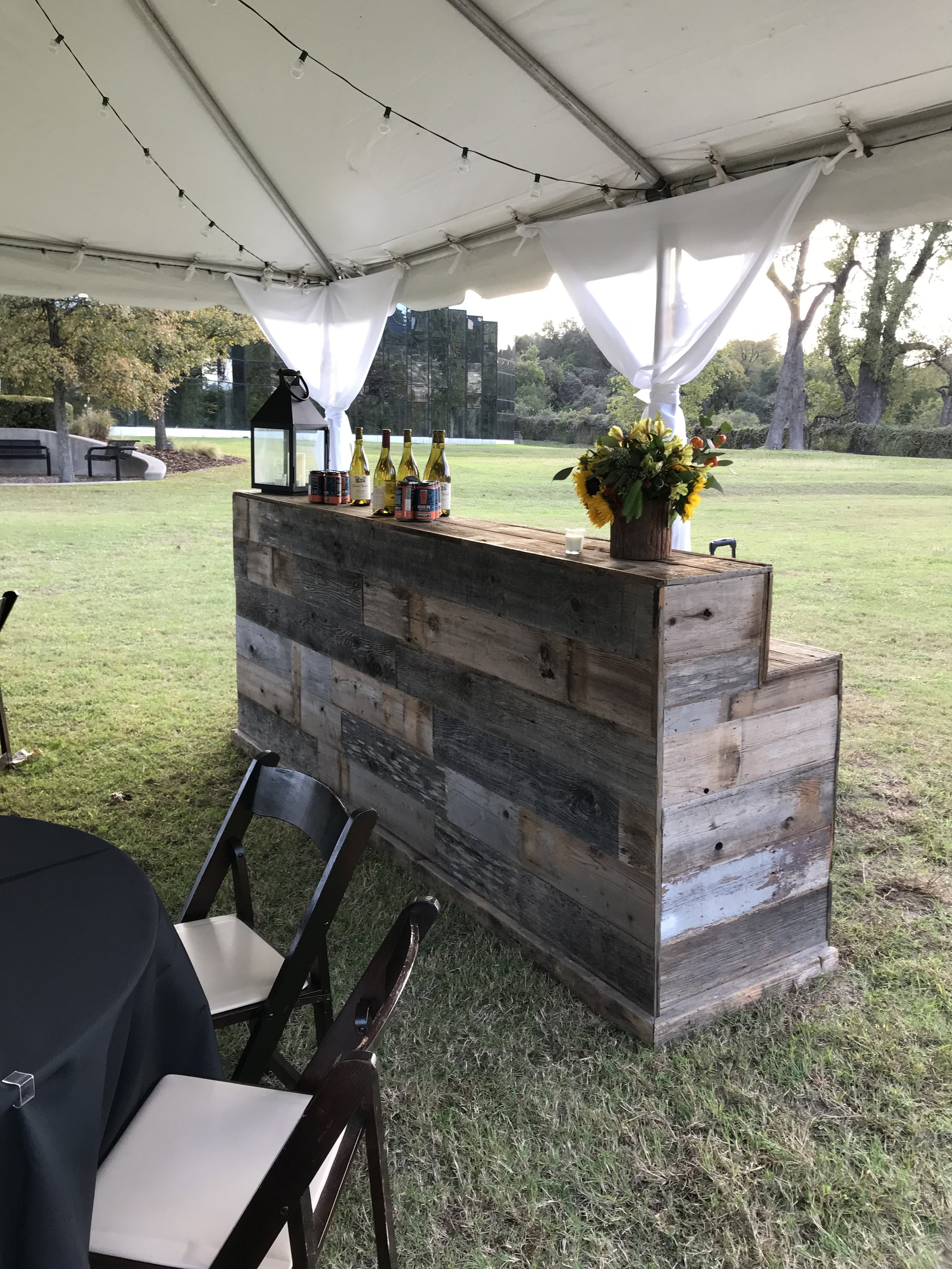 MoPac Bar with Tent
