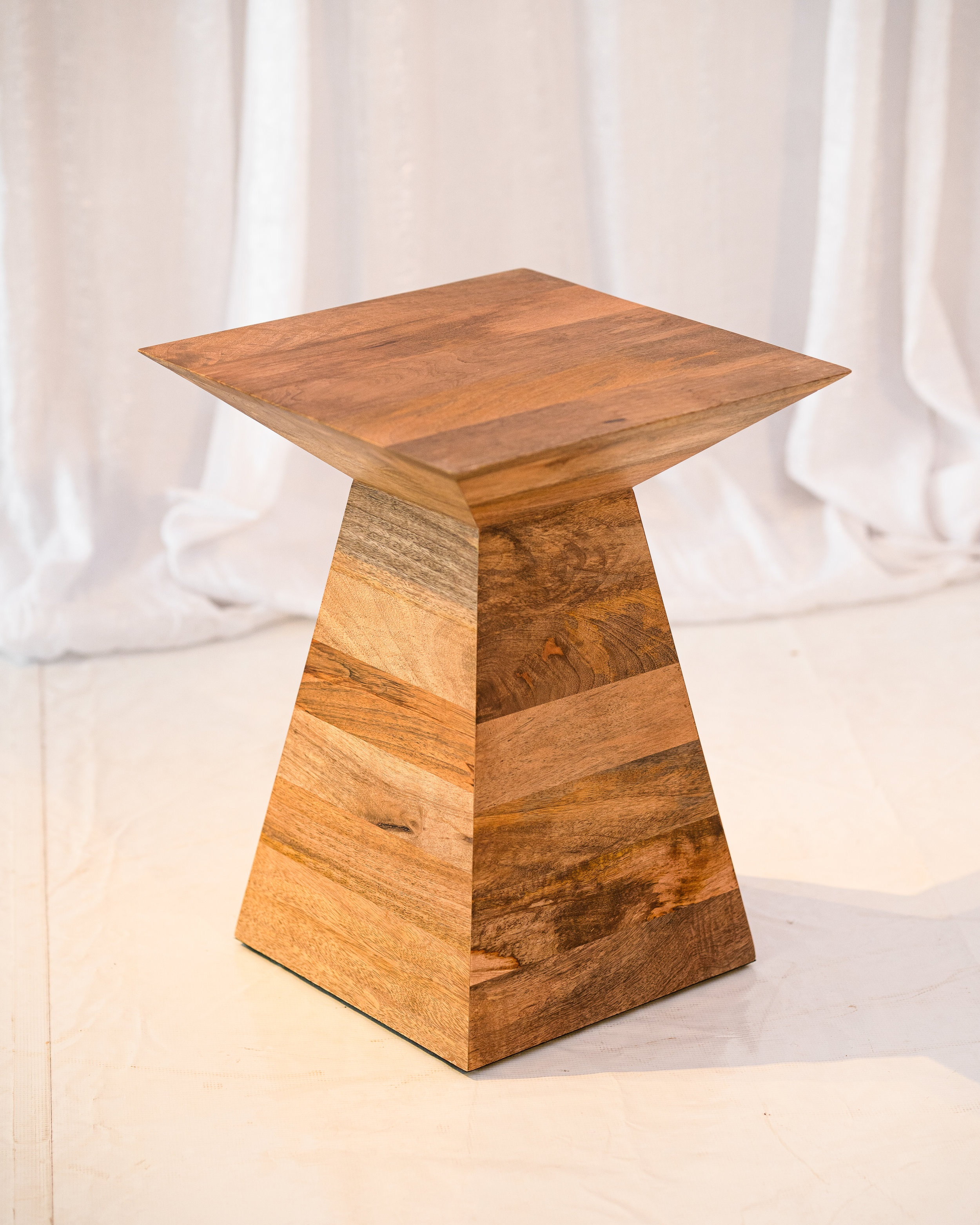 Oliver Table -