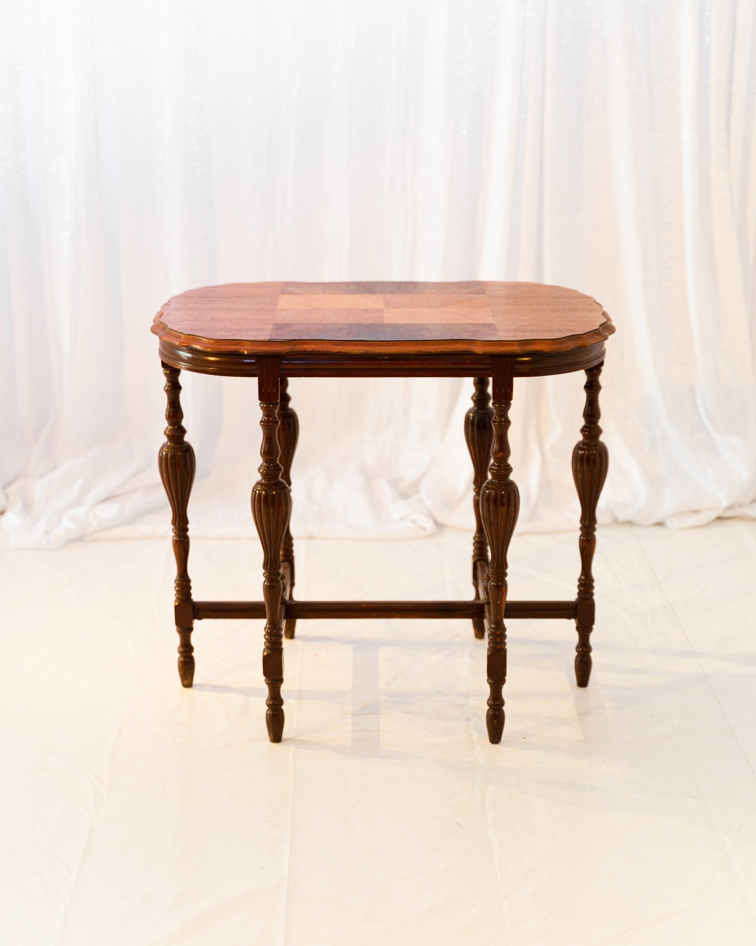 Hannah Table -