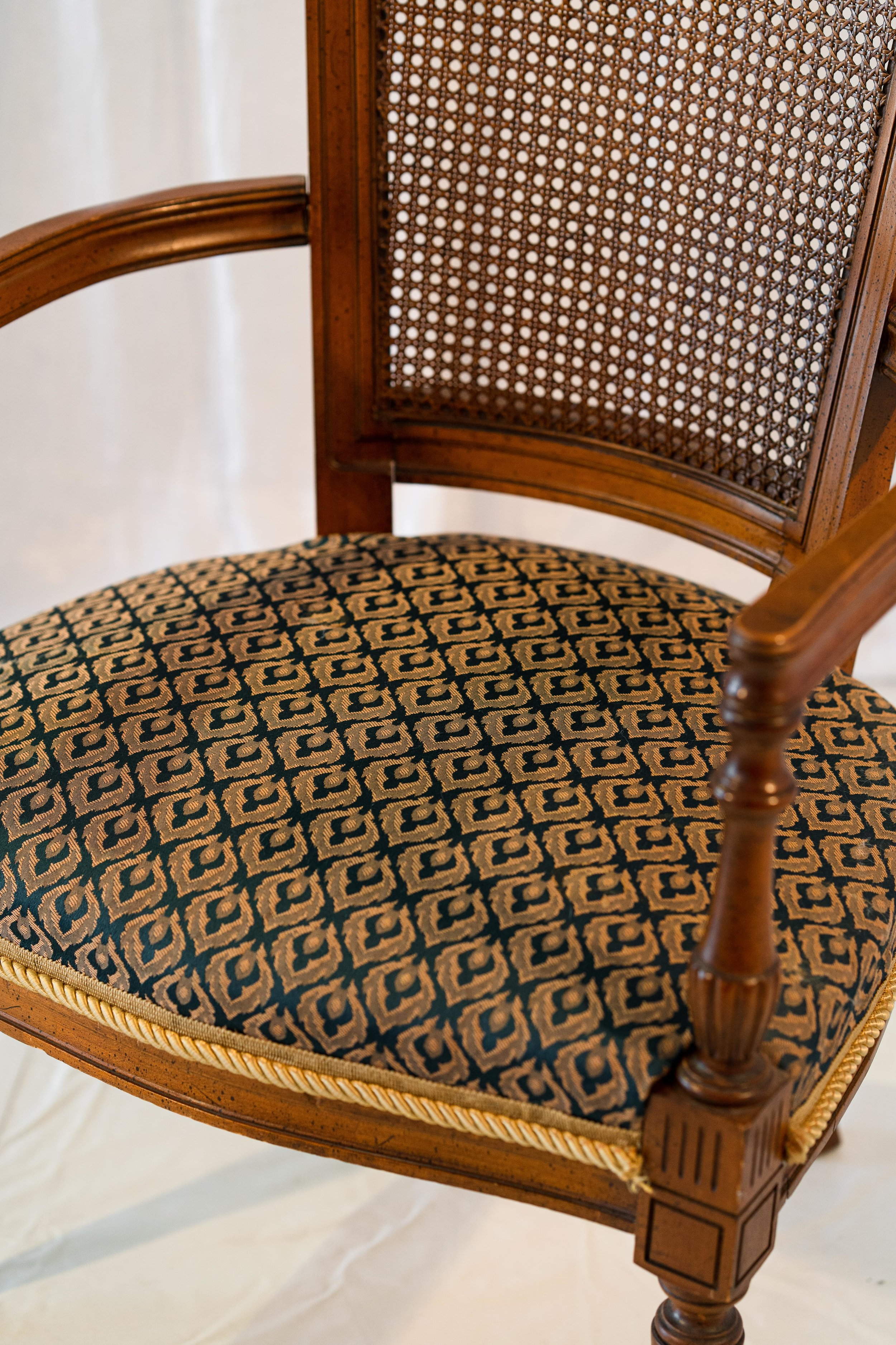 vintage chair images2-5-min.jpg