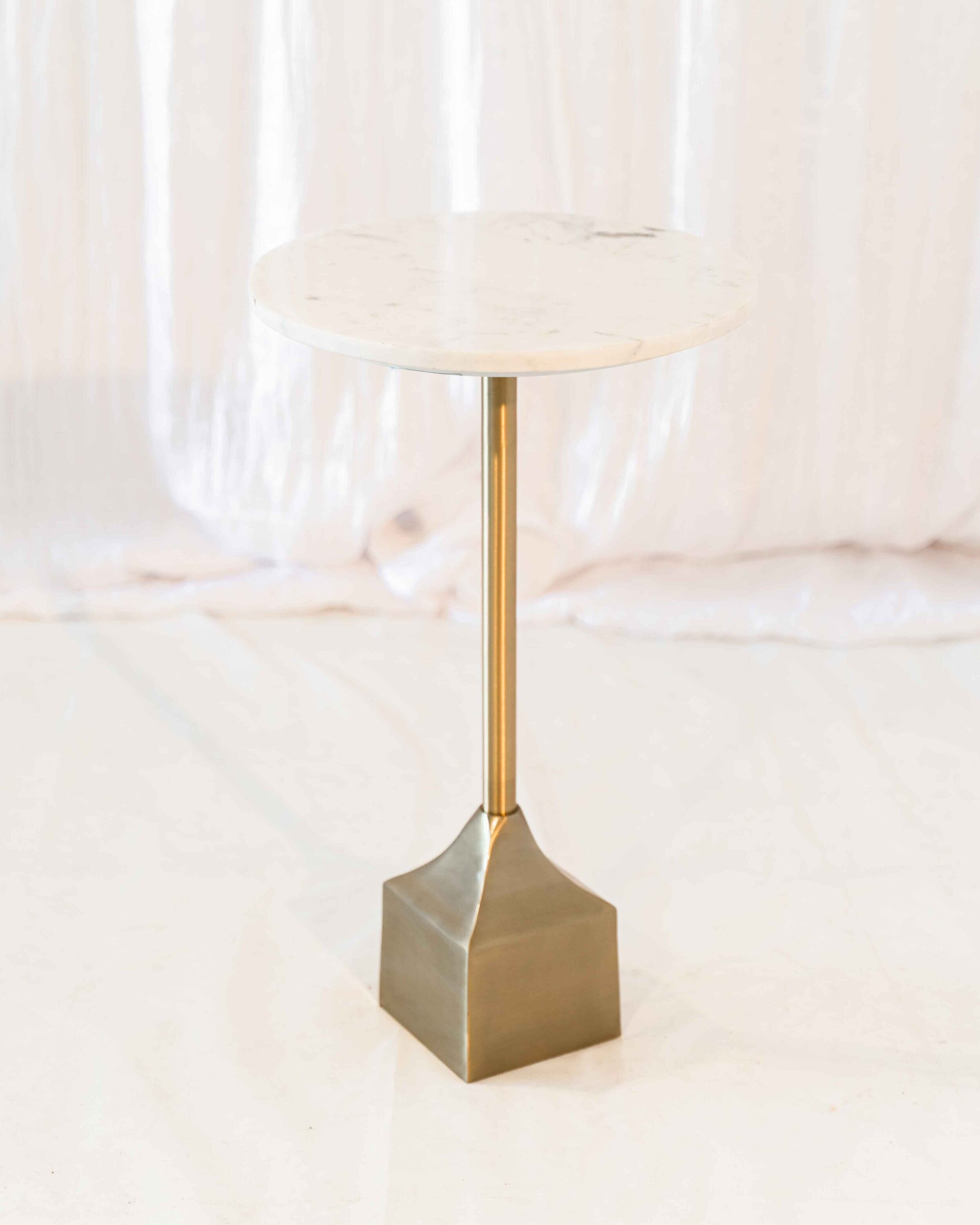 Diana Table -