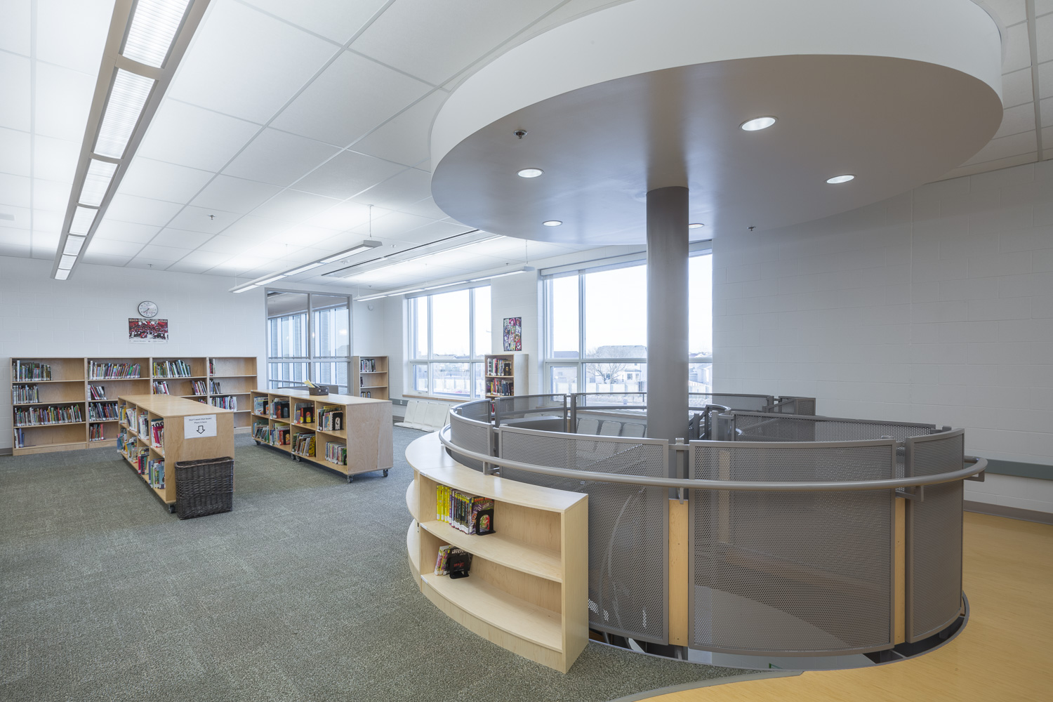 Amber Trails Community School, interior photo of library / Photo:  Lindsay Reid
