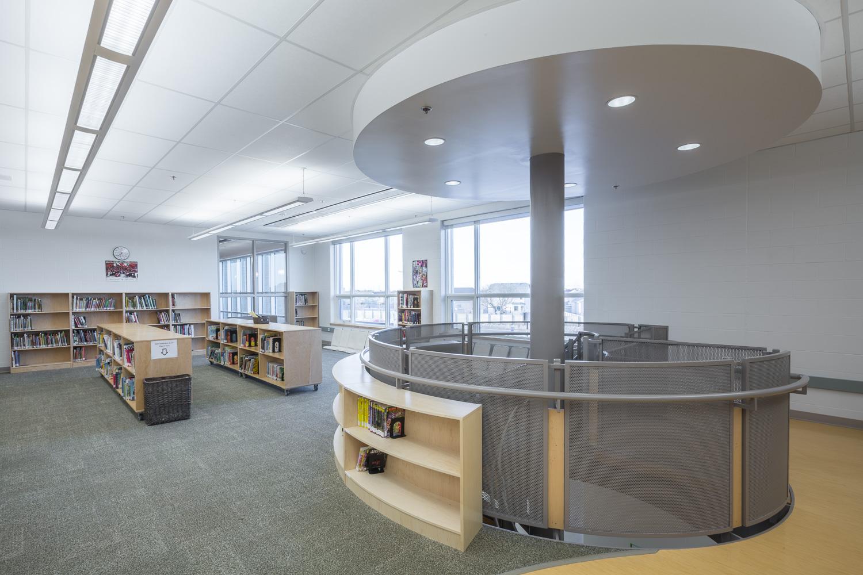 Amber Trails Community School, interior photo of library / Photo:  Lindsay Reid