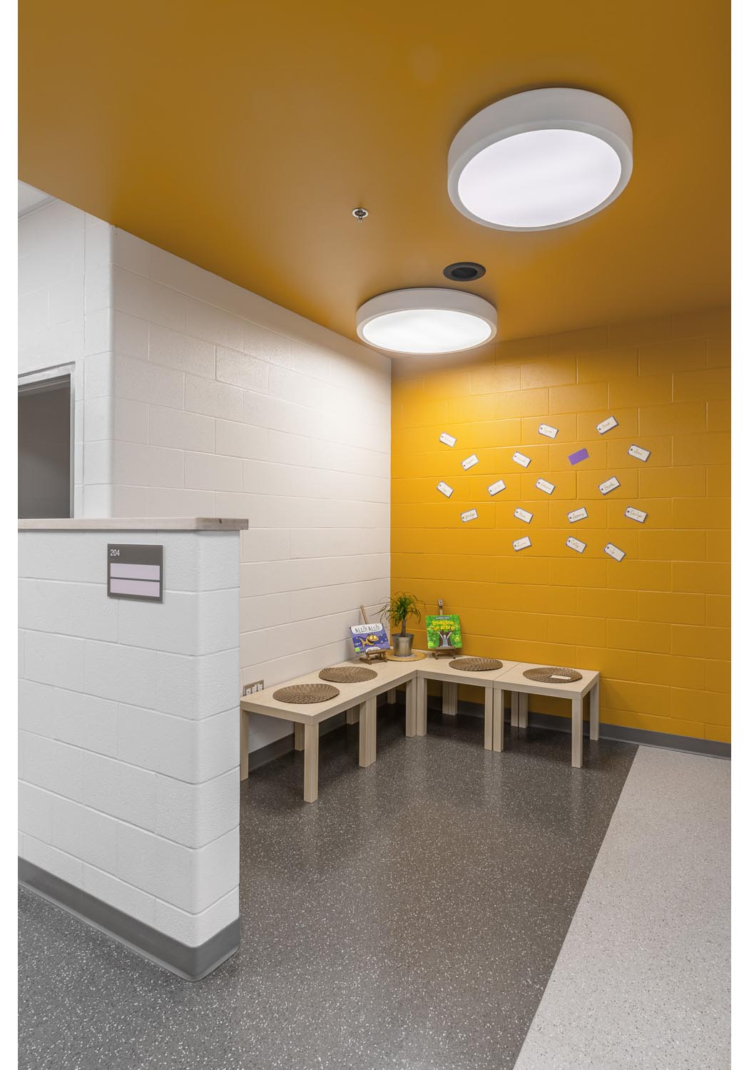 Ecole Rivière Rouge Elementary, interior photo of classroom entry nook / Photo:  Lindsay Reid