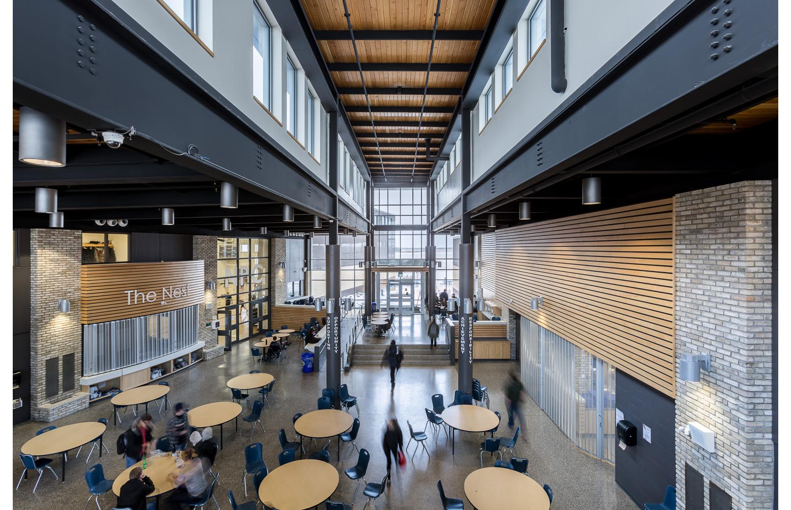 Northlands Parkway Collegiate, interior photo of commons area / Photo:  Lindsay Reid