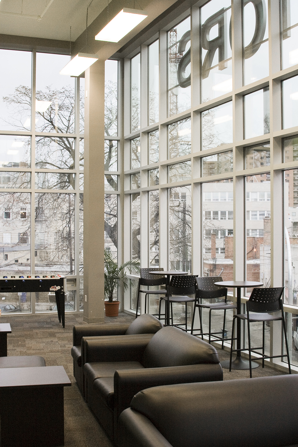 U of W Housing (McFeetor's Hall), interior photo of common area / Photo: Tracy A Wieler