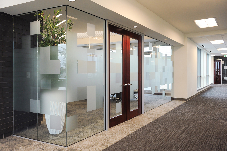 Entegra Credit Union, interior photo of hallway / Photo: Joel Ross