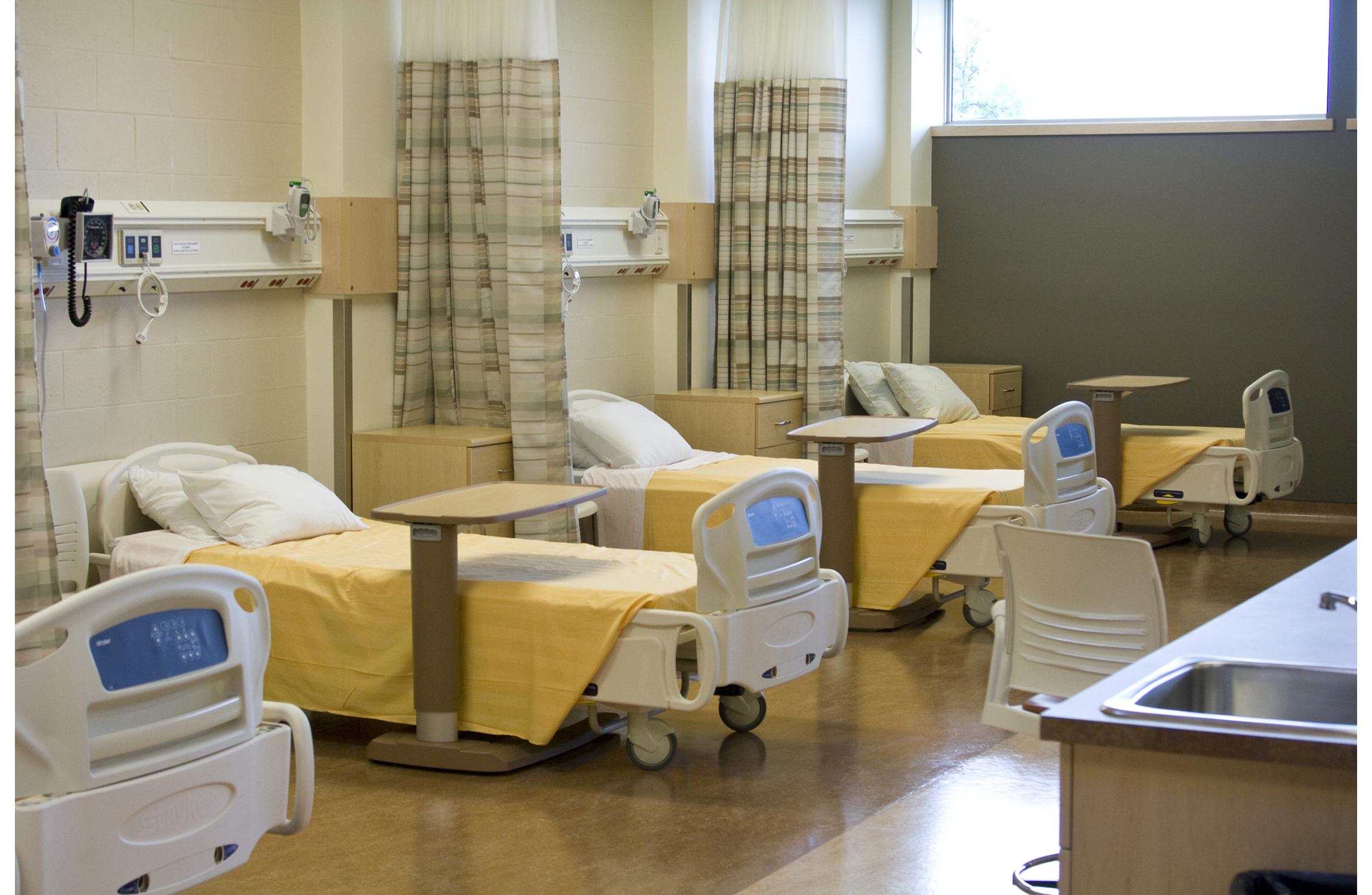 Centre-de-Sante-Marcel-Desautels-Nursing-Beds.jpg
