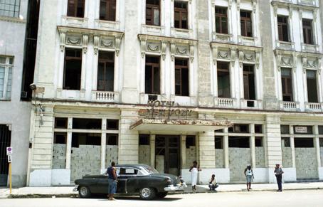 Cuba Doorways_2008_0015.jpg