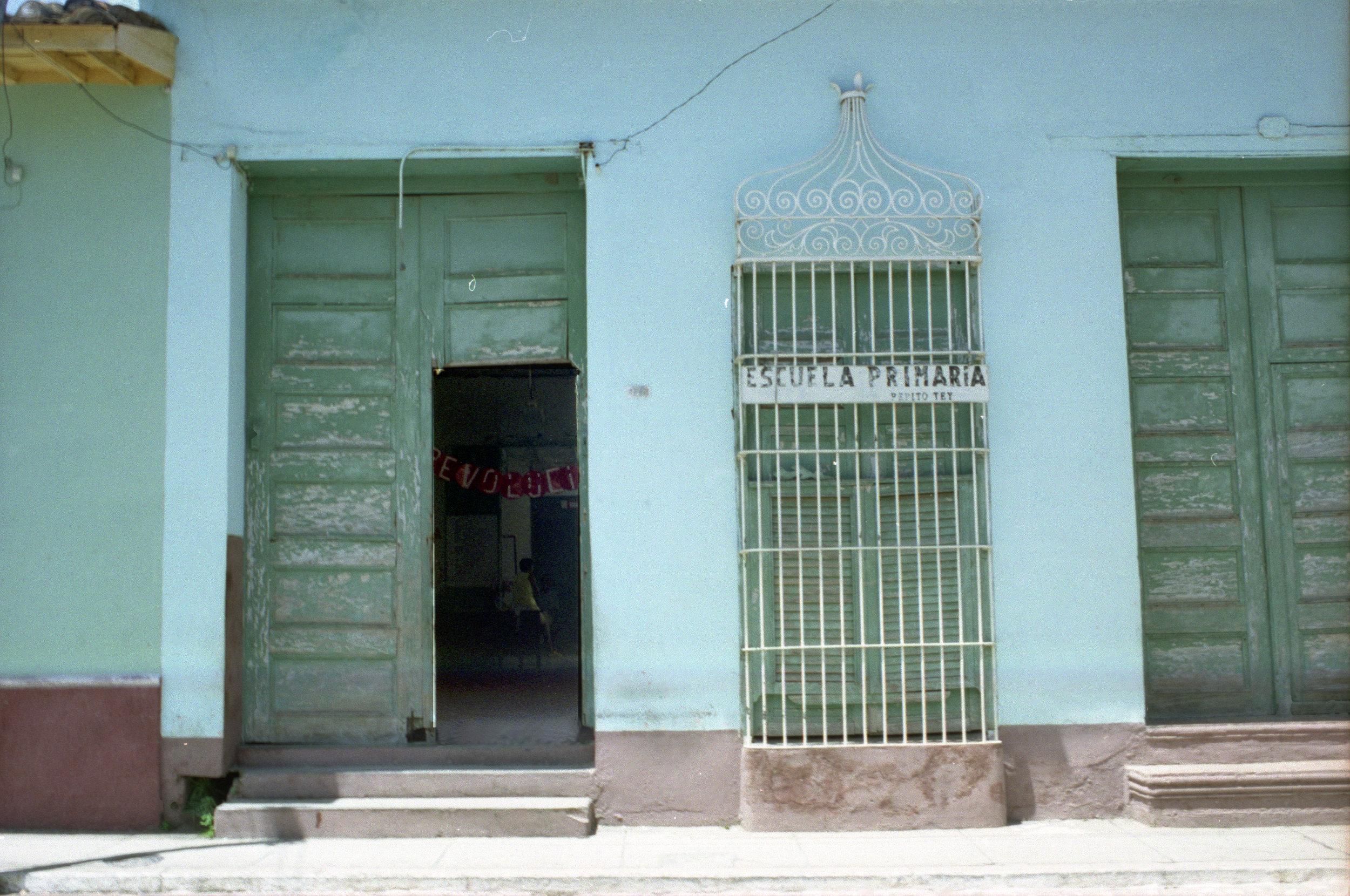 Cuba Doorways_2008_0014.jpg