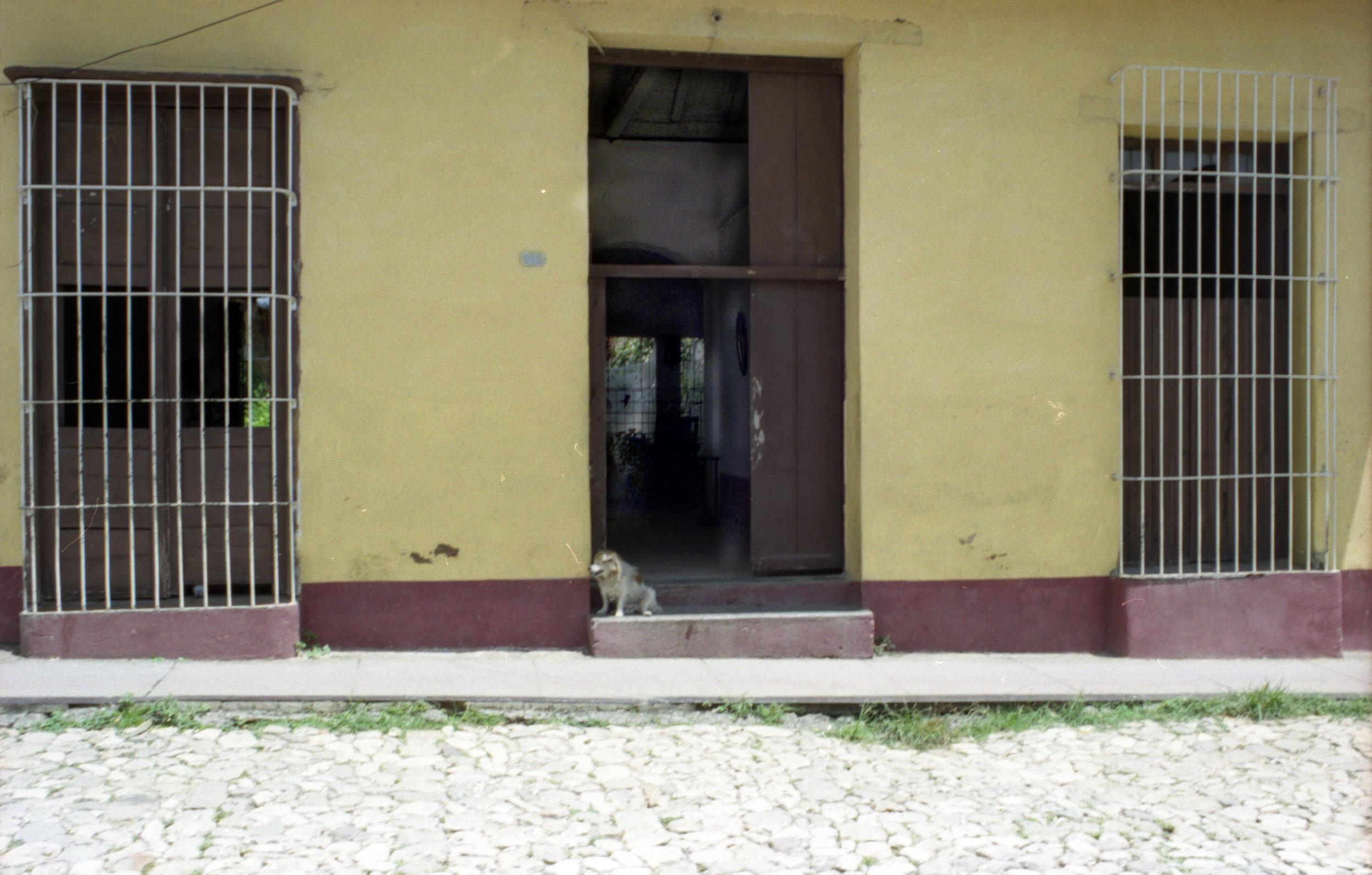 Cuba Doorways_2008_0012.jpg