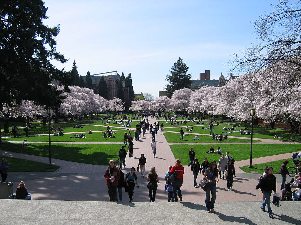 1024px-University_of_Washington_Quad,_Spring_2007.jpg