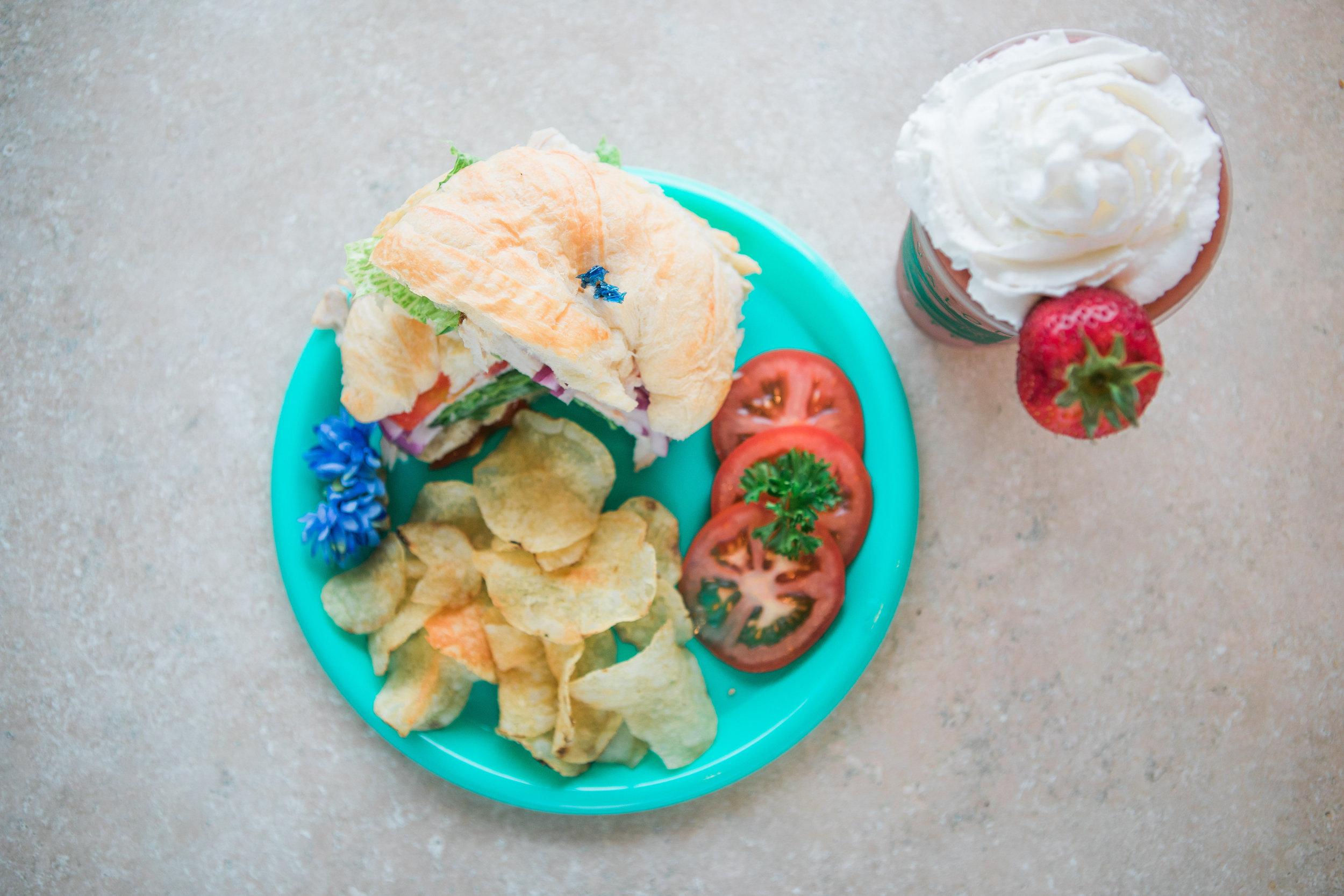 Croissant Sandwich,(overview).jpg