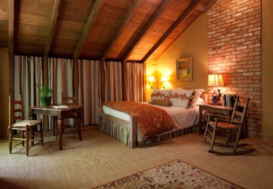 bedroom-1 (1).jpg