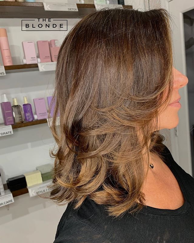 This highlight technique created a soft sun-kissed look for this very stylish and classic client.  She has been a sultry brunette for many years and she's been craving a more updated/modern look. Naturally, balayage is my go to technique to create this new look for her. 🤗 . . . #miamihair #coralgableshairsalon #miamihairstylists #hairblogger #miamihairsalon #miamibalayage #balayagemiami #coralgablessalon #coralgablesstylist #sunkissedhair #balayagebrunette #brunettebalayage @tbtbsalon @behindthechair_com @love_kevin_murphy