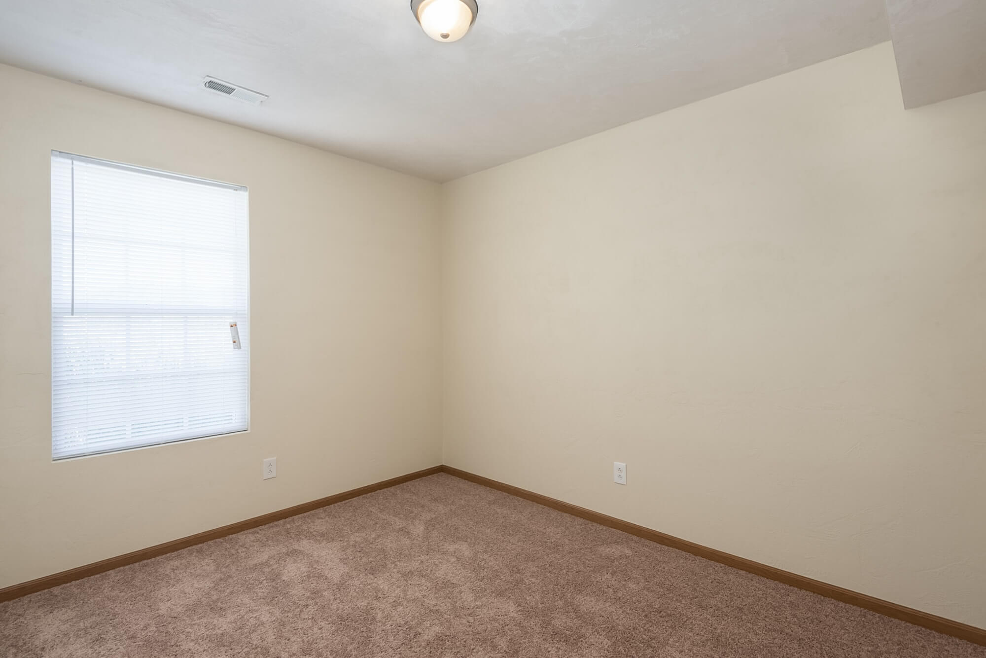 Two Bedroom Apartments Near McKendree University