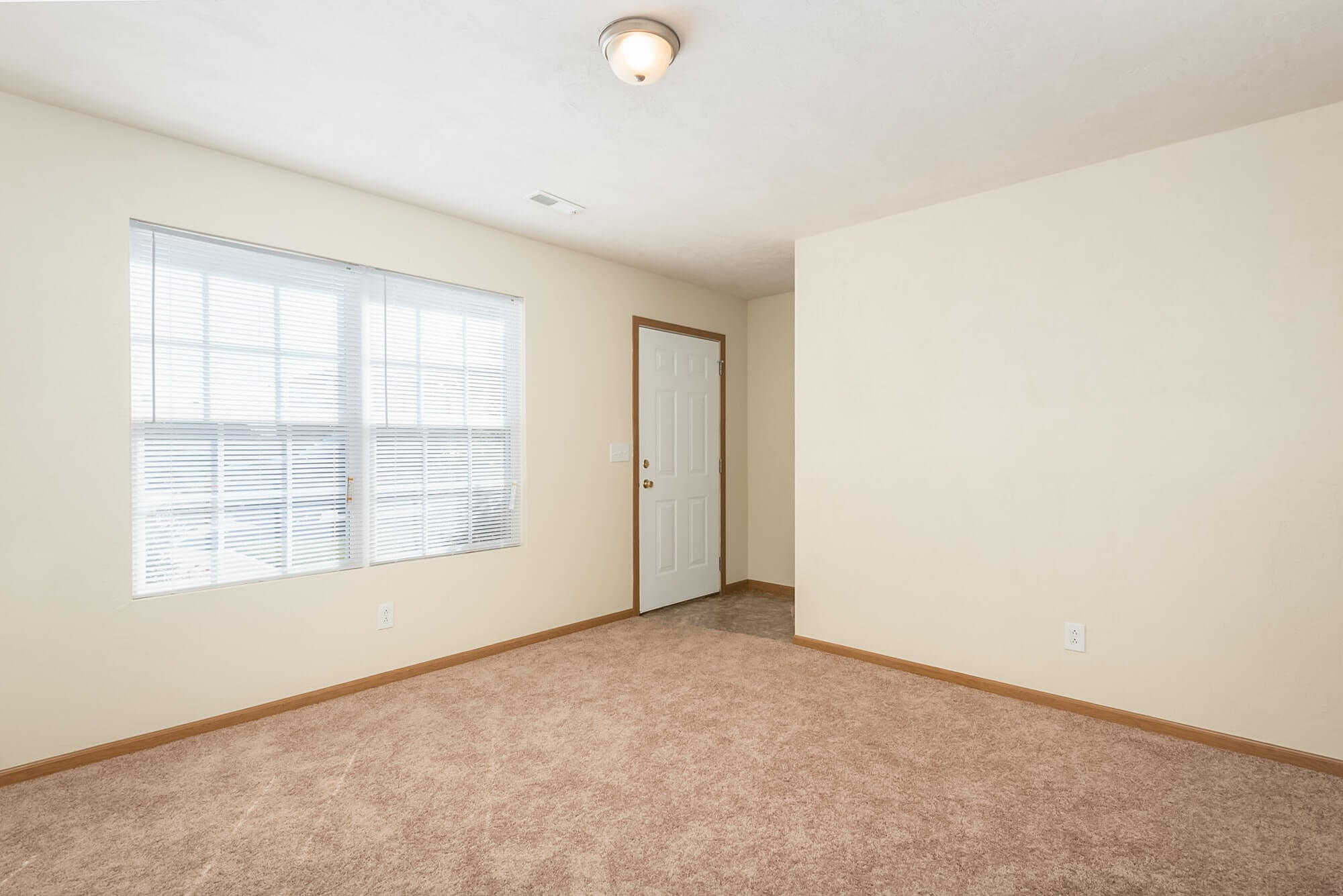 Three Bedroom Rental In Lebanon, Illinois