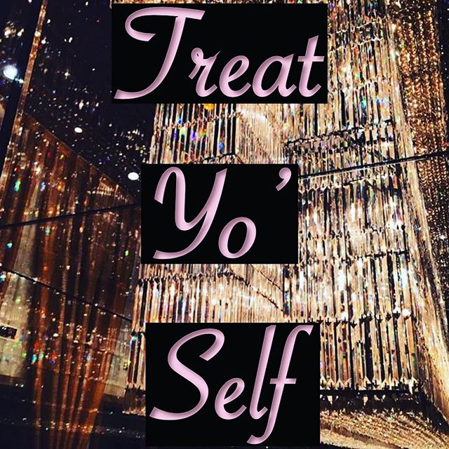 "Treat Yo' Self - Check out the blog post ""How I Budget & Still Live"" template is included! Link in bio. 💵 • • • #budgeting #finance #money #treatyoself #treatyourself #budget #template #blog #blogger #vivavivacious #life #skills #instagram #checkitout #moneybag #luxury #shopping #credit #writing"